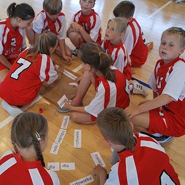Turniej gier i zabaw klas III
