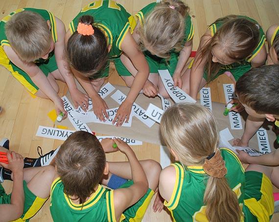 VI Międzyszkolny Turniej Gier i Zabaw dla klas III z przyborem niekonwencjonalnym