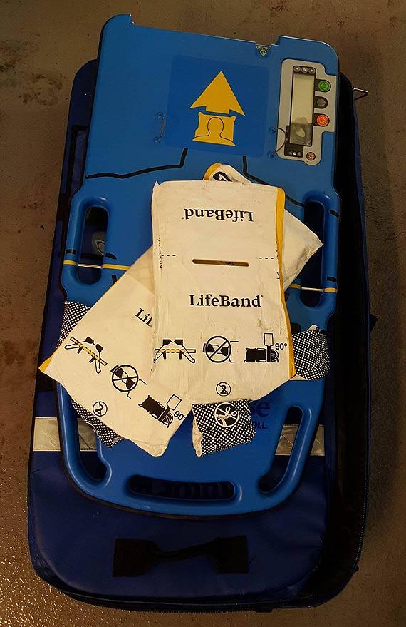 Wszystkie karetki w Świnoujściu posiadają elektronicznego ratownika medycznego! Urządzenie uratowało już niejedno życie...