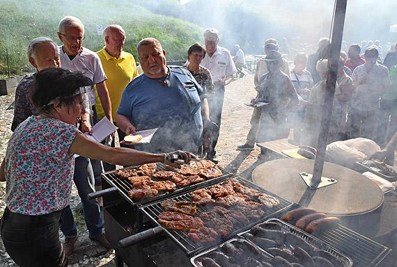 Lata mijają, a pracownicy PPDiUR Odra pozostają nadal rybacką rodziną. Zobacz fotogalerię!