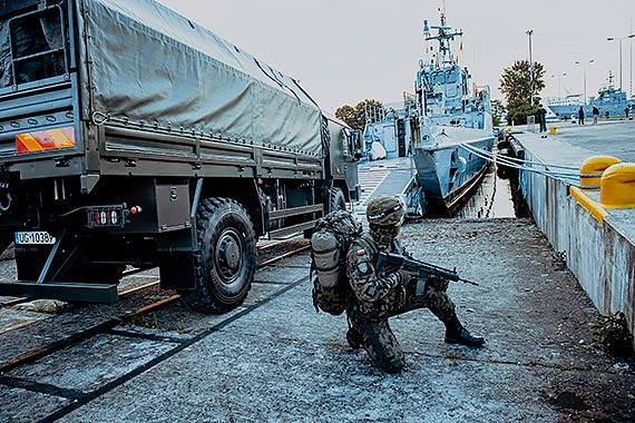 Terytorialsi na śmigłach… i na morzu